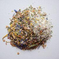 Blütenkräutersalz Streuer