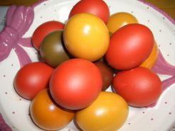 Ostereier bunt gefärbt